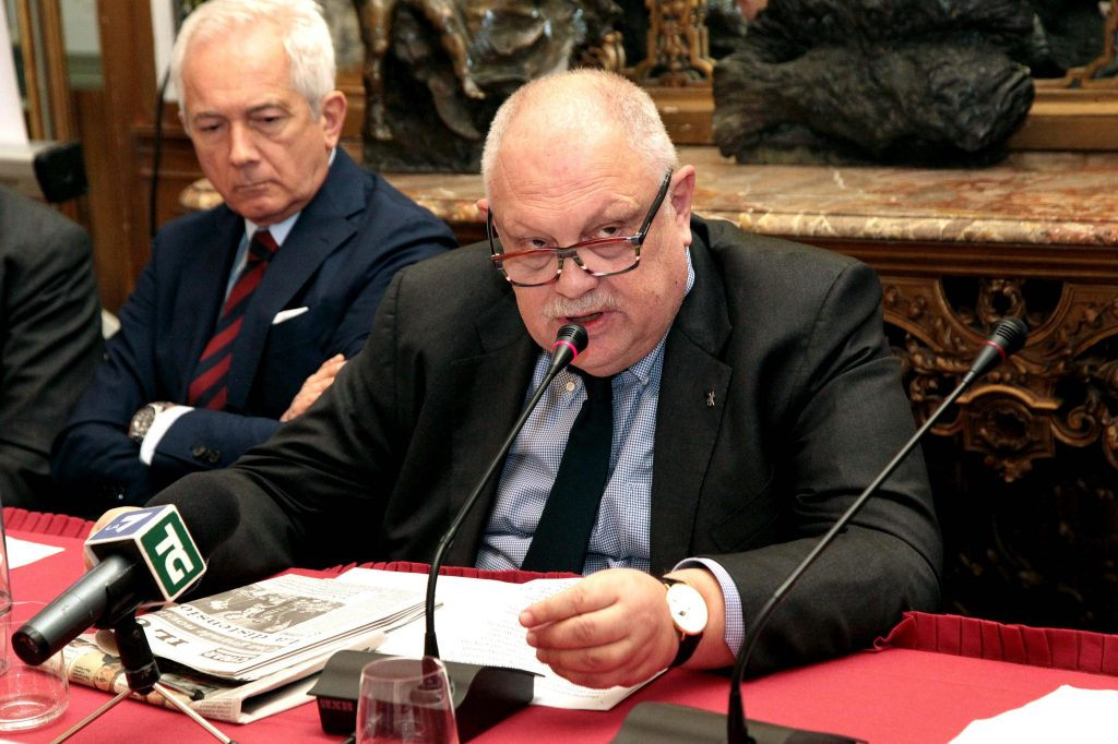 Giancarlo Mazzuca durante la conferenza stampa 'Il Giorno: 60 anni di storia, un anno di eventi', al Circolo della Stampa, Milano, 19 aprile 2016. ANSA/MOURAD BALTI TOUATI
